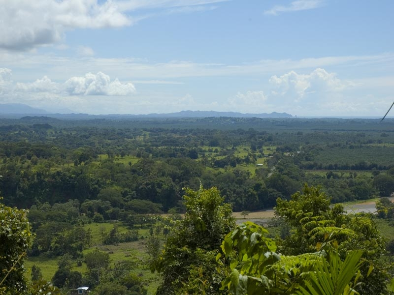 vista-manuel-antonio-national-park-in-distance1